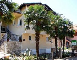 Vacation House Apartmani KIVI Novigrad