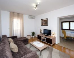 Apartment A-4
