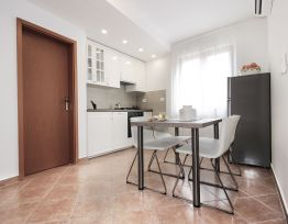 Apartman Martina 2 in center with private parking