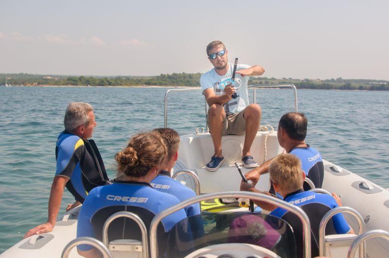 Zeus Faber diving center